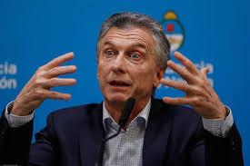 [POLÍTICA] Mauricio Macri propuso mostrar constantemente la foto del cumpleaños de Fabiola como principal propuesta de campaña de JxC. ...